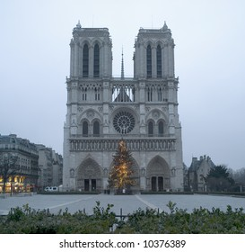 Notre-Dame,after Christmas,early morning, January2008