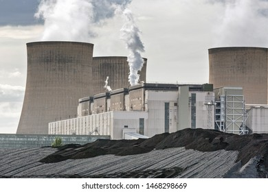 Nottingham, Nottinghamshire, England, United Kingdom. August 18, 2018. Ratcliffe-on-Soar Power Station is a coal-fired power station at Ratcliffe-on-Soar in Nottinghamshire, England, UK