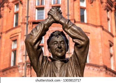 NOTTINGHAM/UNITED KINGDOM - January 3, 2017: Brian Clough statue, a tribute of the city of Nottingham to the legendary football manager Brian Clough, at Speaker's Corner, in downtown Nottingham