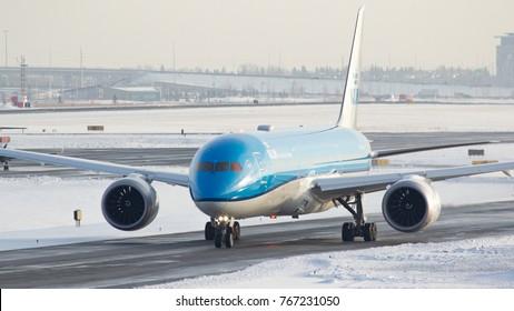 NOV 10, 2017 - CALGARY, AB A KLM Boeing 787 taxis to the runway at YYC Calgary International airport