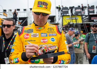 November 16, 2018 - Homestead, Florida, USA: Kyle Busch (18) gears up to practice for the Ford 400 at Homestead-Miami Speedway in Homestead, Florida.