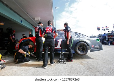 November 17, 2018 - Homestead, Florida, USA: Kurt Busch (41) gets ready to practice for the Ford 400 at Homestead-Miami Speedway in Homestead, Florida.