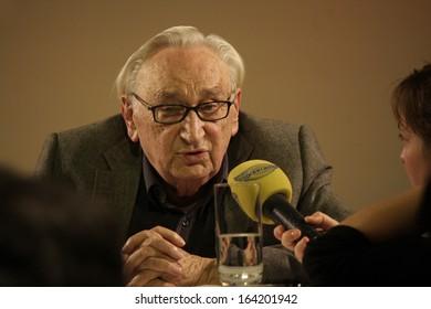 NOVEMBER 18, 2013 - BERLIN: Egon Bahr presents his latest book in the Kulturkaufhaus Dussmann in Berlin.