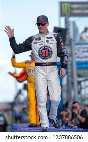 November 18, 2018 - Homestead, Florida, USA: Kevin Harvick (4) takes to the stage for driver introductions at the Ford 400 at Homestead-Miami Speedway in Homestead, Florida.