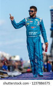 November 18, 2018 - Homestead, Florida, USA: Darrell Wallace, Jr (43) takes to the stage for driver introductions at the Ford 400 at Homestead-Miami Speedway in Homestead, Florida.