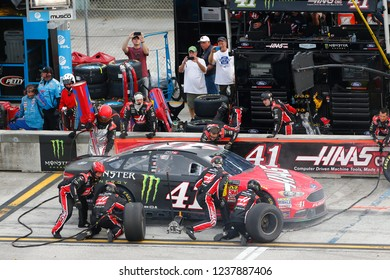 November 18, 2018 - Homestead, Florida, USA: Kurt Busch (41) makes a pit stop during the Ford 400 at Homestead-Miami Speedway in Homestead, Florida.