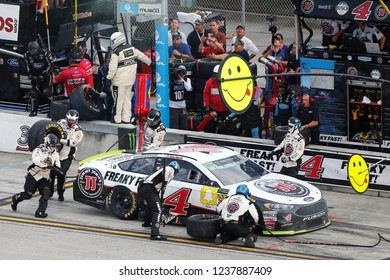 November 18, 2018 - Homestead, Florida, USA: Kevin Harvick (4) makes a pit stop during the Ford 400 at Homestead-Miami Speedway in Homestead, Florida.