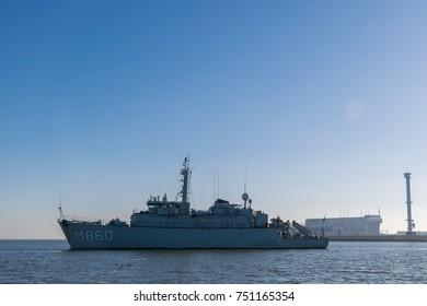November 2017. Dutch navy minesweeper Schiedam sailing out of harbor from Den Helder. (translation) Koninklijke Marine mijnenjager Schiedam, vertrekt uit de haven van Den Helder.