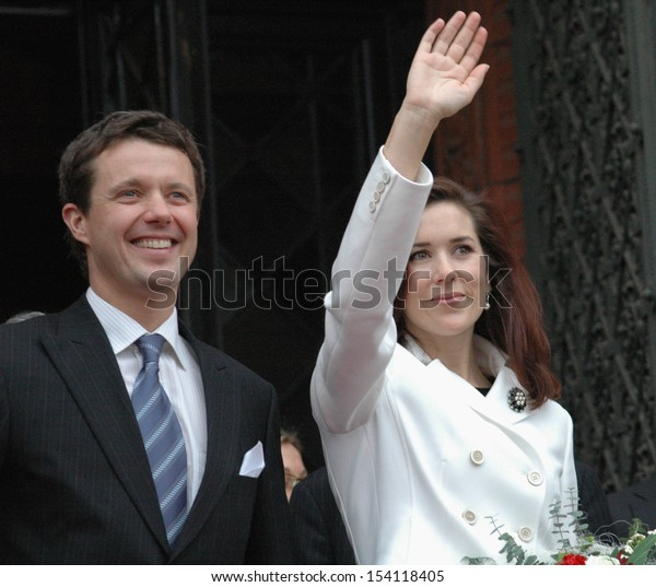 NOVEMBER 8, 2004 - BERLIN: the Prince of Denmark Frederik with his wife, Princess Mary at a reception at the City Hall of Berlin.