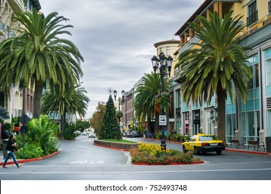 November 8, 2017 San Jose/CA/USA - Street in the European style inspired shopping district Santana Row, San Francisco bay area, California