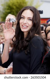 "November 9, 2008. Angelina Jolie at the Los Angeles Premiere of ""Secrets of the Furious Five"" held at the Grauman's Chinese Theater, Hollywood."