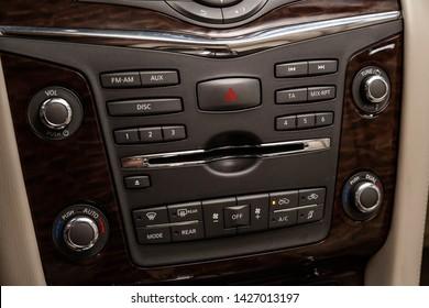 Nissan Patrol Images, Stock Photos & Vectors | Shutterstock