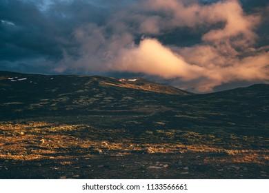 Snøhetta Noway - moody sunset