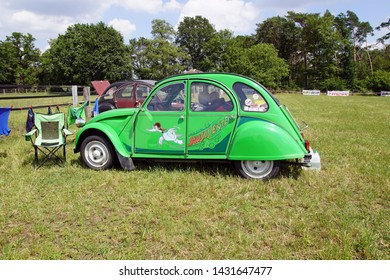 Hünxe, NRW/Germany - 05/21/2019 Citroen 2CV Sausss Ente Limited Edition  at a Oldtimer Meeting