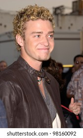 *NSYNC star JUSTIN TIMBERLAKE at the American Music Awards in Los Angeles. 09JAN2002.   Paul Smith/Featureflash