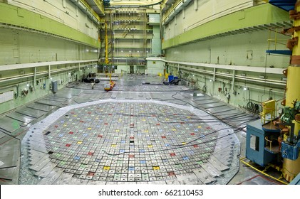 Nuclear power plant. Central hall of the nuclear reactor, reactor lid, maintenance and replacement of the reactor fuel elements