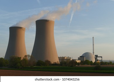 Nuclear reactor, cooling towers of Nuclear power plant (NPP) Grohnde, district Hameln, Lower Saxony, Germany