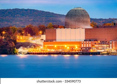 Nuclear reactor on the Hudson River, north of New York City