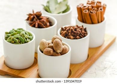 Nutmeg, cardamom, bay leaf, star anise, cinnamon and cloves