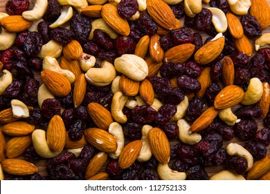 Nuts and cranberries composition