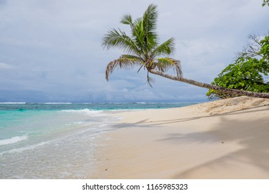 Nuusafee Island: beautiful uninhabited desert island off Upolu, Western Samoa, South Pacific