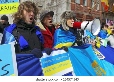 NY -MAR 27, 2014: demonstration in support of Ukraine to the UN, during a meeting of the UN Assembly on the question of integrity of Ukraine