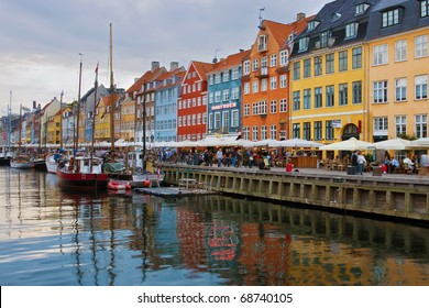 Nyhavn harbour at sunset (Copenhagen, Denmark)