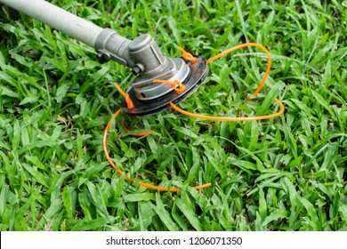 Nylon String Cutting or trimmer head equipment with nylon line cutting lawn grass