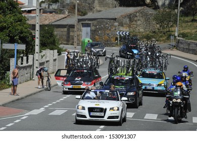 O GROVE, PONTEVEDRA, SPAIN - AUGUST 26 - Stage 3 of the Tour of Spain 2013 (La Vuelta) Rias Baixas - Madrid, passing through the difficult path Galician. 08-26-2013
