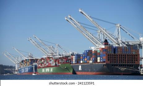 Imágenes, fotos de stock y vectores sobre Port of Savannah