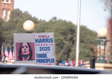 Oakland, Califonia / Usa - January 27 2019: Senator Kamala Harris, Democrat of California, kicked off her presidential campaign with a rally. Ms. Harris drew more than 20,000 people to the rally