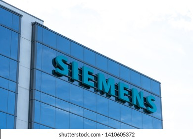 Oakville, Ontario, Canada - May 27, 2019: Sign of Siemens Canada Limited at Corporate Office in Oakville, Canada. Siemens AG is German multinational conglomerate company.
