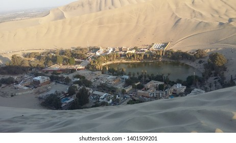 An oasis in the middle of the desert. september 2018 , huacachina, peru , south america