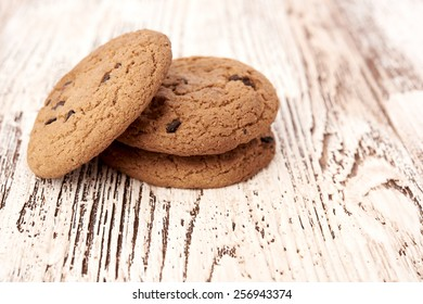 oat cookies on wooden table