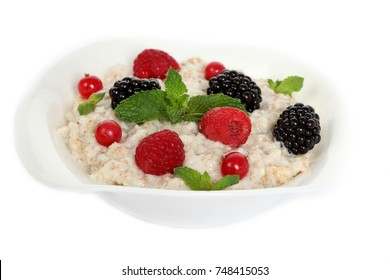 oat porridge with fruit