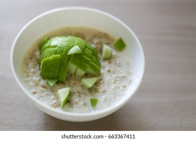 Oatmeal and green apple