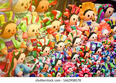 """The oaxaca dolls called """"Lele"""" or """"Otomi"""" dolls are a tradition in Mexico."""