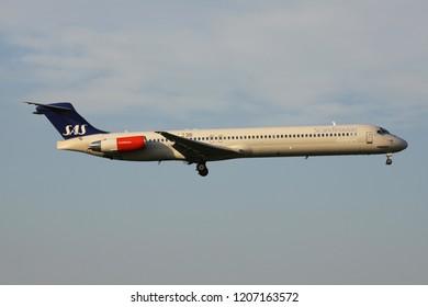 OBERGLATT, SWITZERLAND - June 27, 2011: Scandinavian Airlines SAS McDonnell Douglas MD-82 with registration LN-RLF on short final for runway 14 of Zurich Airport.