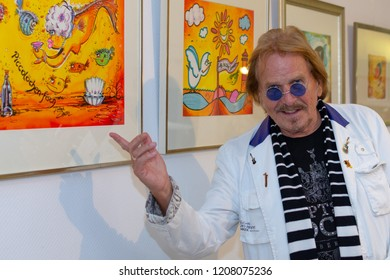 Oberursel, Germany -  October 19 2018: Entertainer Frank Zander (*1942) opens an exhibition of his art and paintings at Bilder Hofmann, Oberursel. The exhibition is open Oct 19 - Nov 18, 2018.