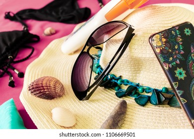 Objets for a woman to go to the beach