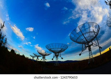 The observatory in the evening,The silhouette of a radio telescope