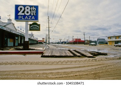 Ocean City, Maryland, USA, September 28,1985 Hurricane Gloria comes ashore damaged oceanfront buildings and boardwalks. Hours after the storm urge flowed over the boardwalk at 28th street.