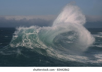 Ocean waves on the Oregon Coast