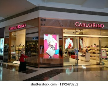 2c3026195e6 October 1, 2018 - Mesra Mall Kertih, MALAYSIA. Selection of shoes were sold