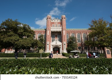 October 14, 2016:  The Bizzell Memorial Library, on the campus of Oklahoma University, in Norman, Oklahoma. (3348)