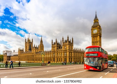 October 20, 2014: The British Parliament and a bus on the Westminster Bridge in London, UK