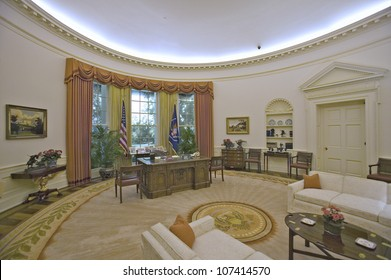 OCTOBER 2005 - Replica of the White House Oval Office on display at the Ronald Reagan Presidential Library and Museum, Simi Valley, CA