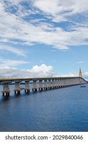 October 21, 2017, Jornalista Phelippe Daou Bridge, better known as Ponte Rio Negro, It connects the cities of Manaus and Iranduba, and is also part of the Manoel Urbano Highway. It is currently the lo