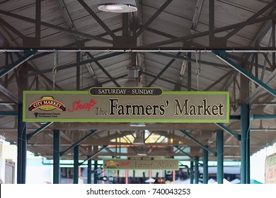 October 22, 2017. Kansas City, Missouri. City Market Farmers Market Sign. One of the largest farmers markets in the United States.