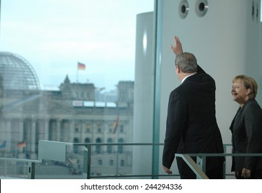 OCTOBER 23, 2007 - BERLIN: Al Gore and Angela Merkel at a press conference after a meeting with the German Chancellor in the Chanclery in Berlin.